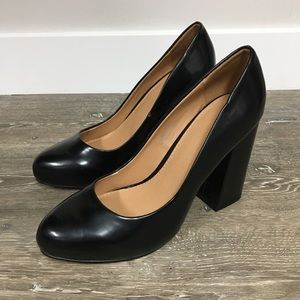 Urban Outfitters black block heel pumps, size 7.